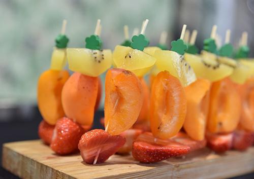 Espetada de fruta